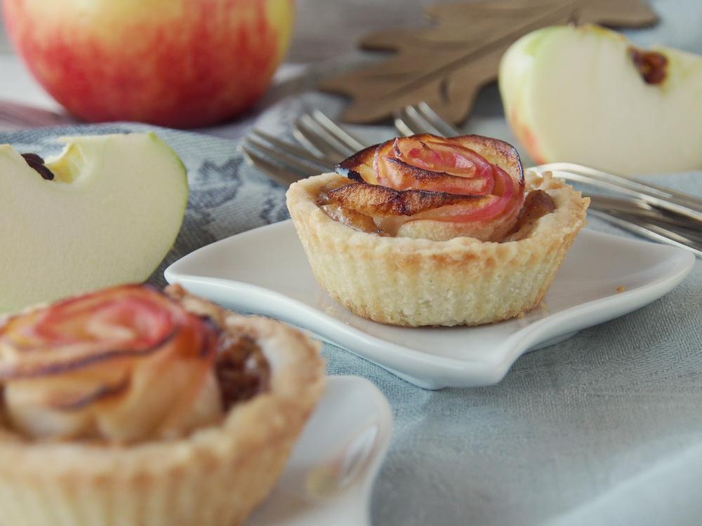 Apfel-Rosen-Tarte mit Mandelcreme