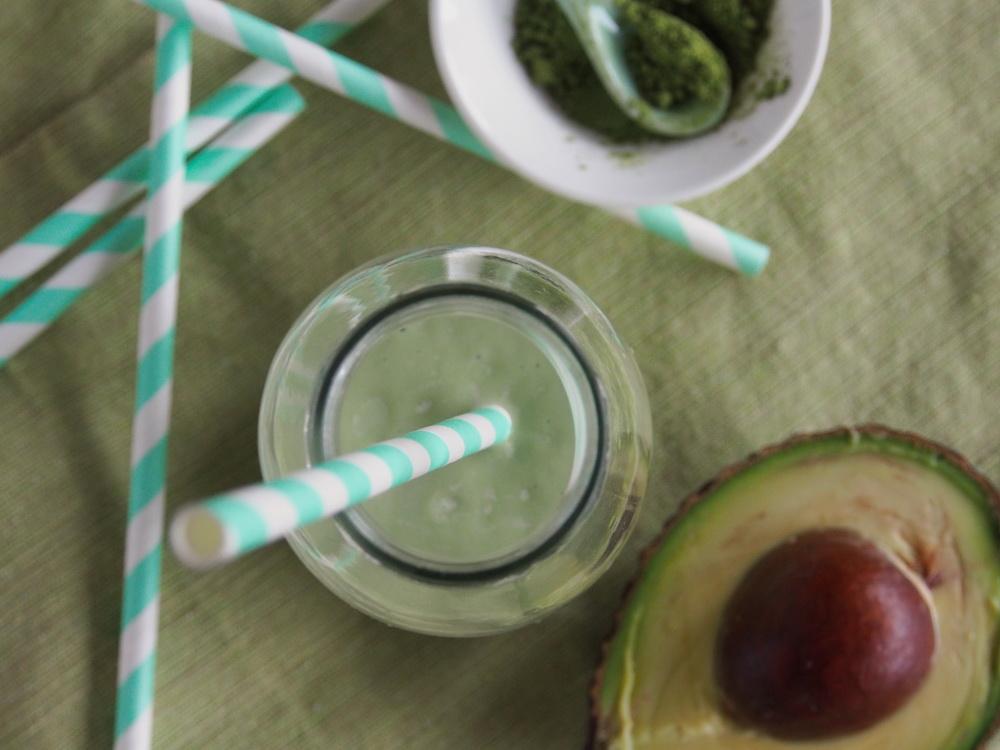Avocado-Matcha-Smoothie