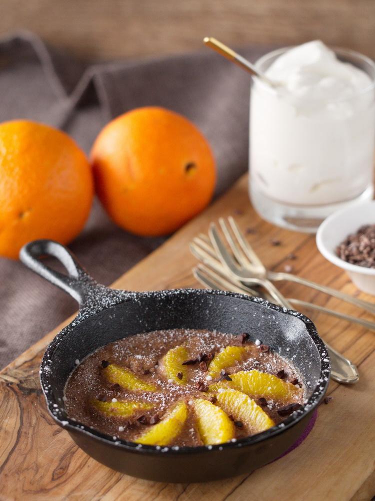 Schokoladen-Clafouti mit Orangen