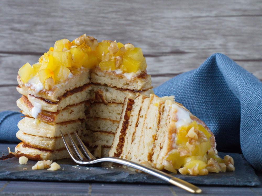Pancakes mit Safran-Äpfeln