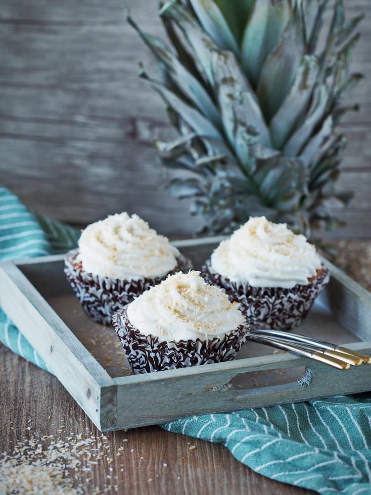 Süßkartoffel-Ananas-Cupcakes mit Kokos-Mousse