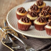 Tonka-Muffins mit Zartbitter-Ganache