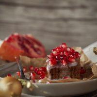Gewürzkuchen mit Ingwer und Granatapfel