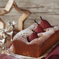 Zimt-Kuchen mit Rotwein-Birnen