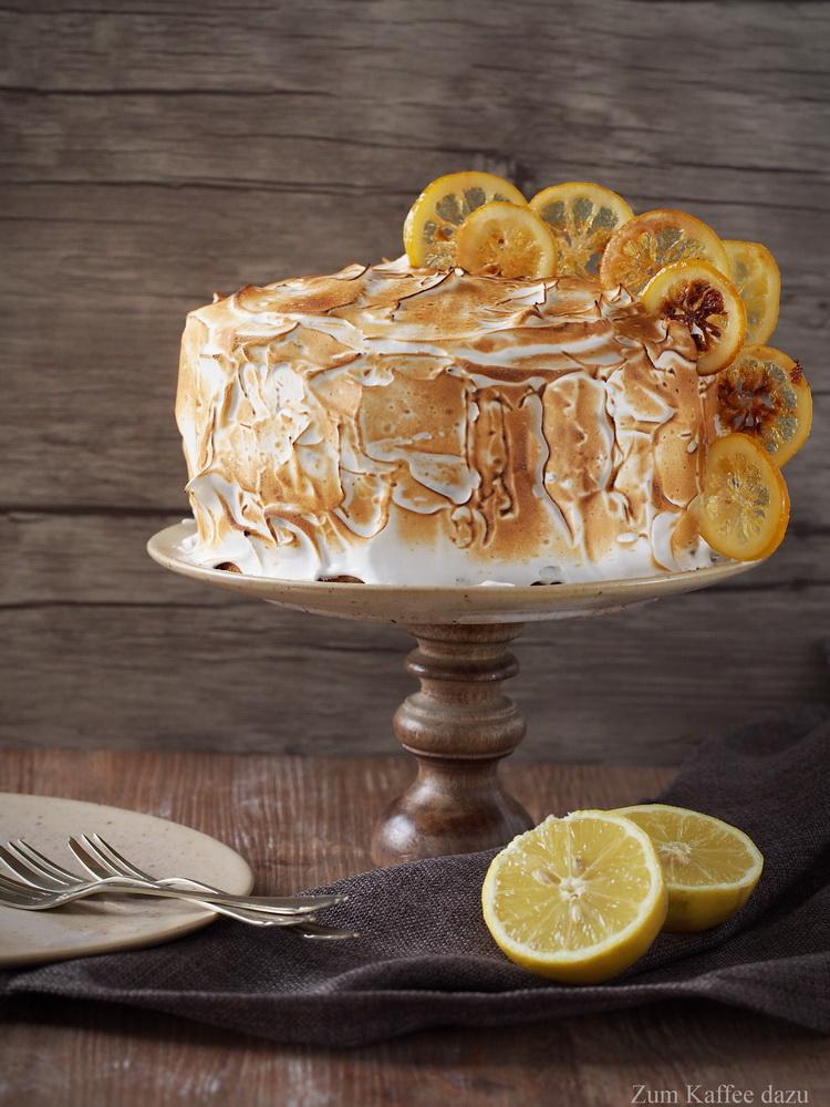 Baiser-Törtchen mit Zitrone und Mango
