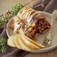 Kastanien-Crêpes mit Honig-Ricotta und Äpfeln