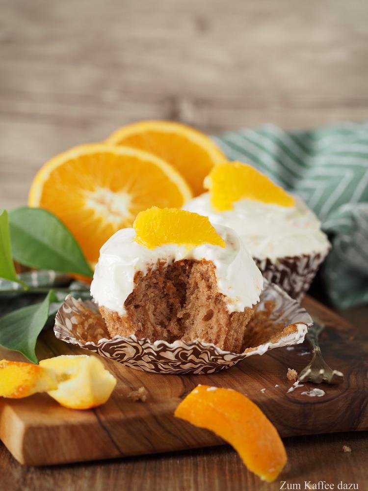 Kastanien-Cupcakes mit Orangen-Quark