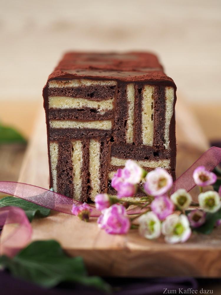Geordnetes Chaos Oder Schwarz Weiss Kuchen Zum Kaffee Dazu