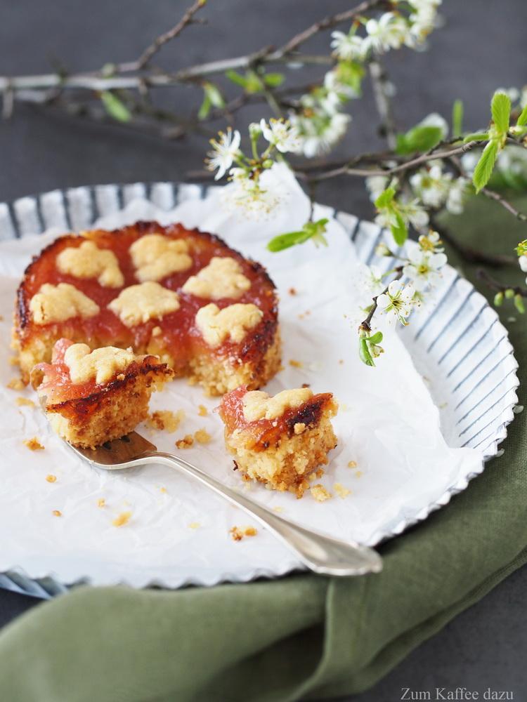 Rhabarber-Cashew-Linzer-Torte