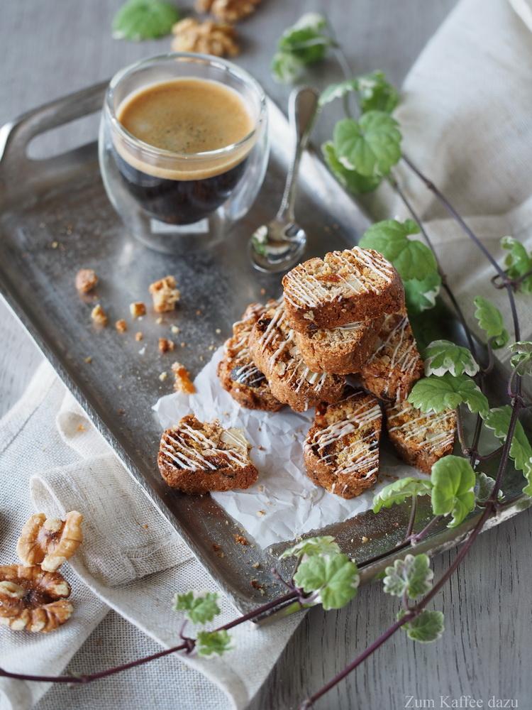 Aprikosen-Walnuss-Cantuccini mit Tonkabohne