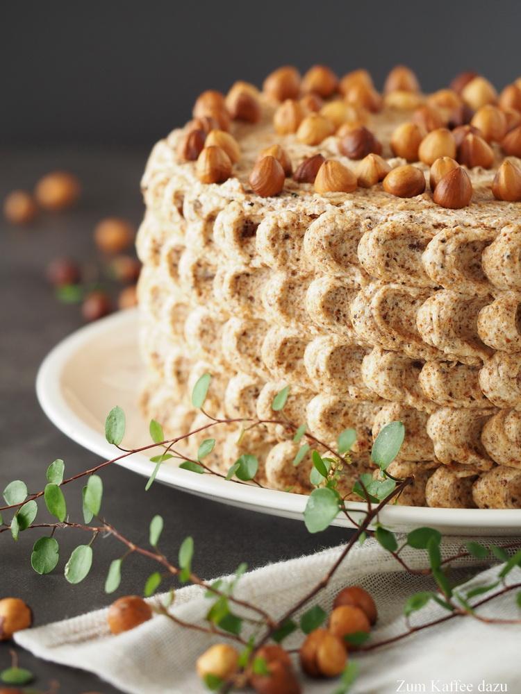Haselnuss-Nougat-Torte