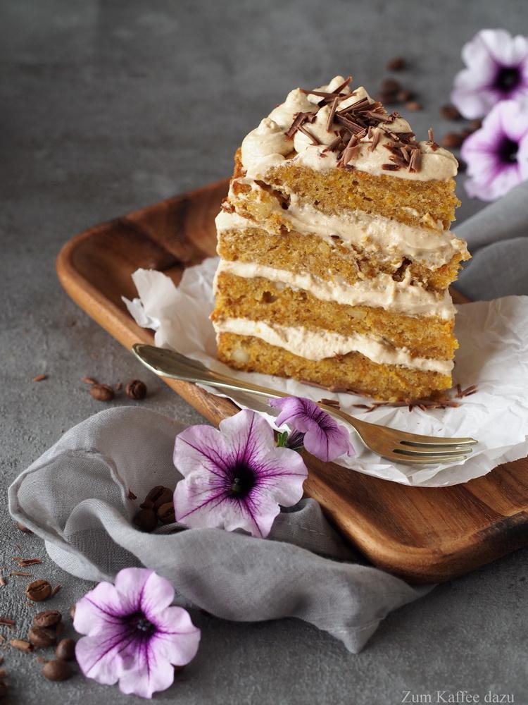 Macadamia-Kürbis-Torte mit Espresso-Mousse
