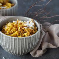 Kürbis-Porridge mit Kokosmilch und Zimt
