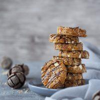 Aprikosen-Cookies mit geröstetem Sesam