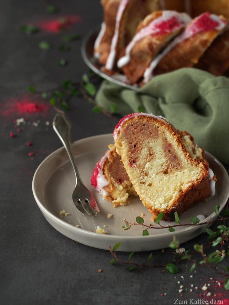 Himbeer-Marmorkuchen mit Buttermilch