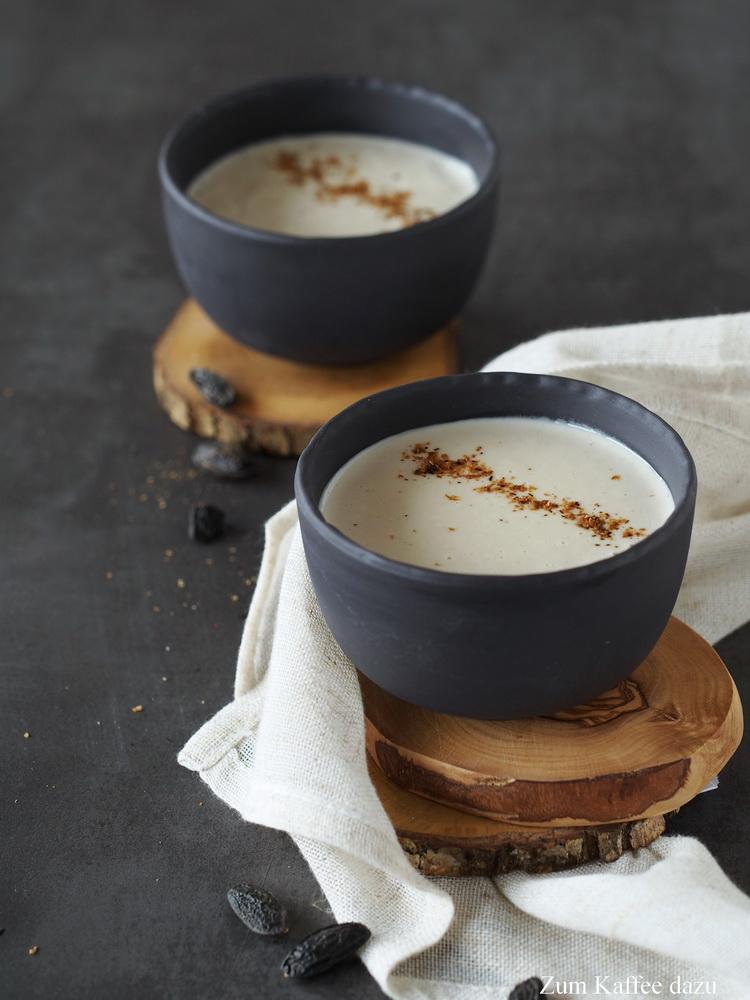 Cremige Tonka-Latte mit Cashews
