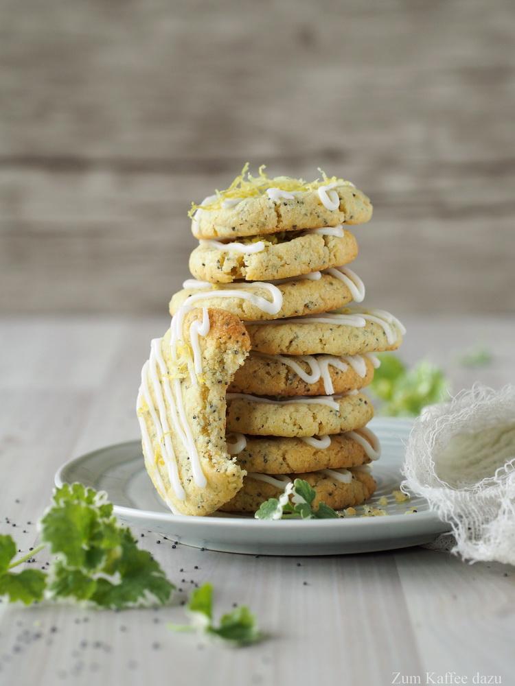 Weiche Zitronen-Cookies mit Mohn