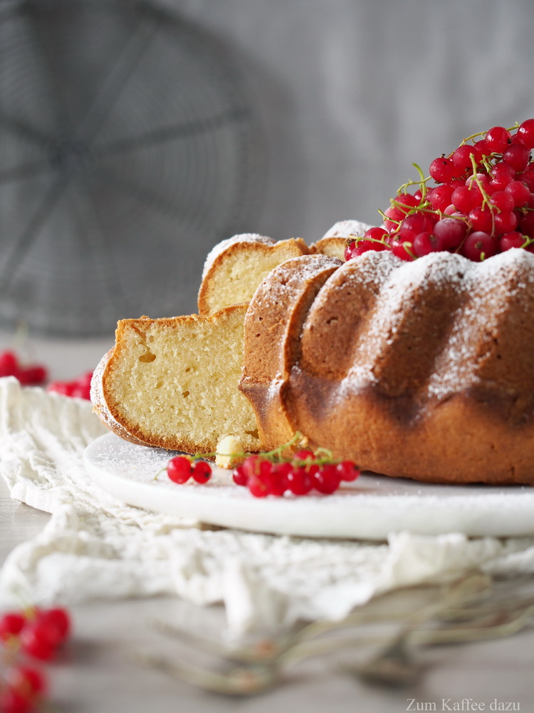 Crème Fraîche-Gugelhupf mit Vanille