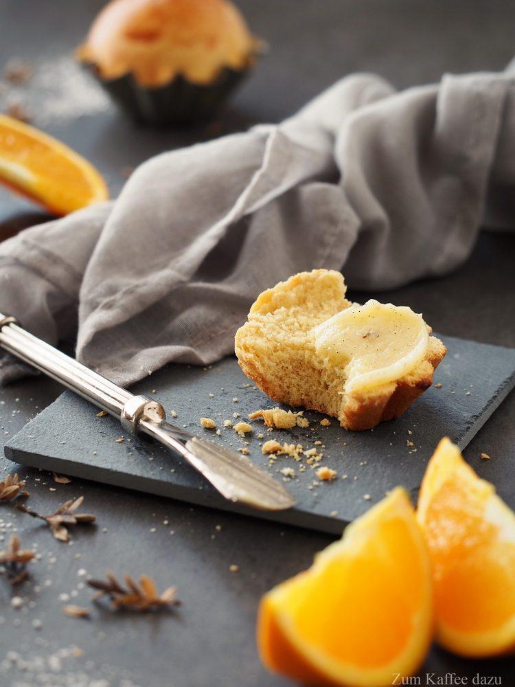 Orangen-Brioche mit Vanillebutter