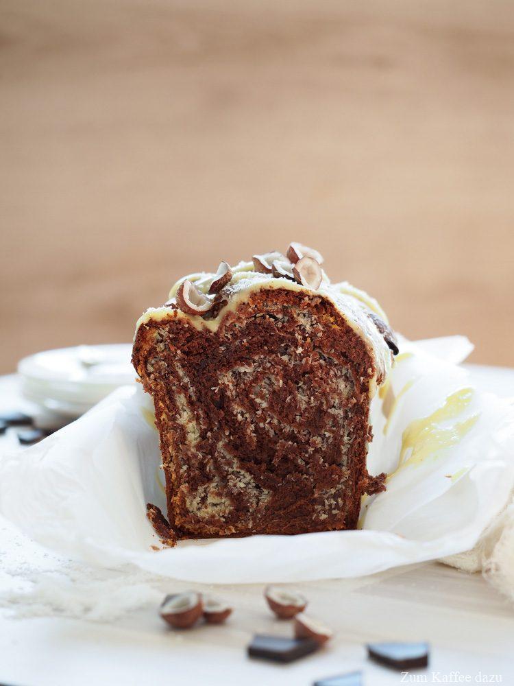 Schokoladen-Brioche mit Kokos