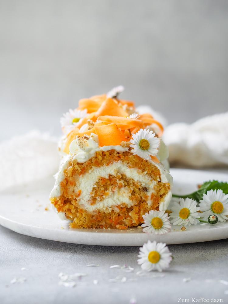 Sahnerolle mit Karotten
